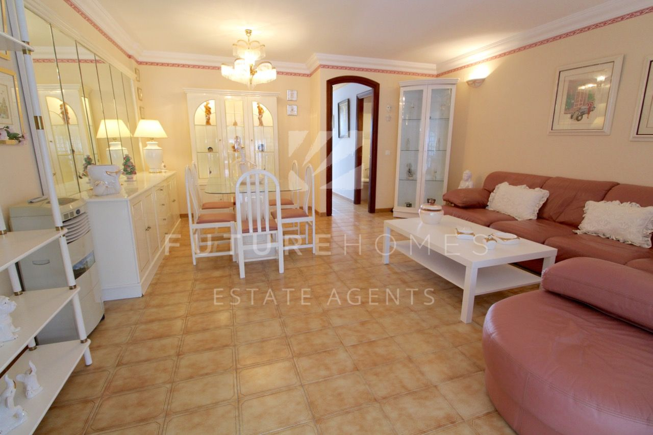Ground floor duplex with huge terrace for sale in Seghers Estepona