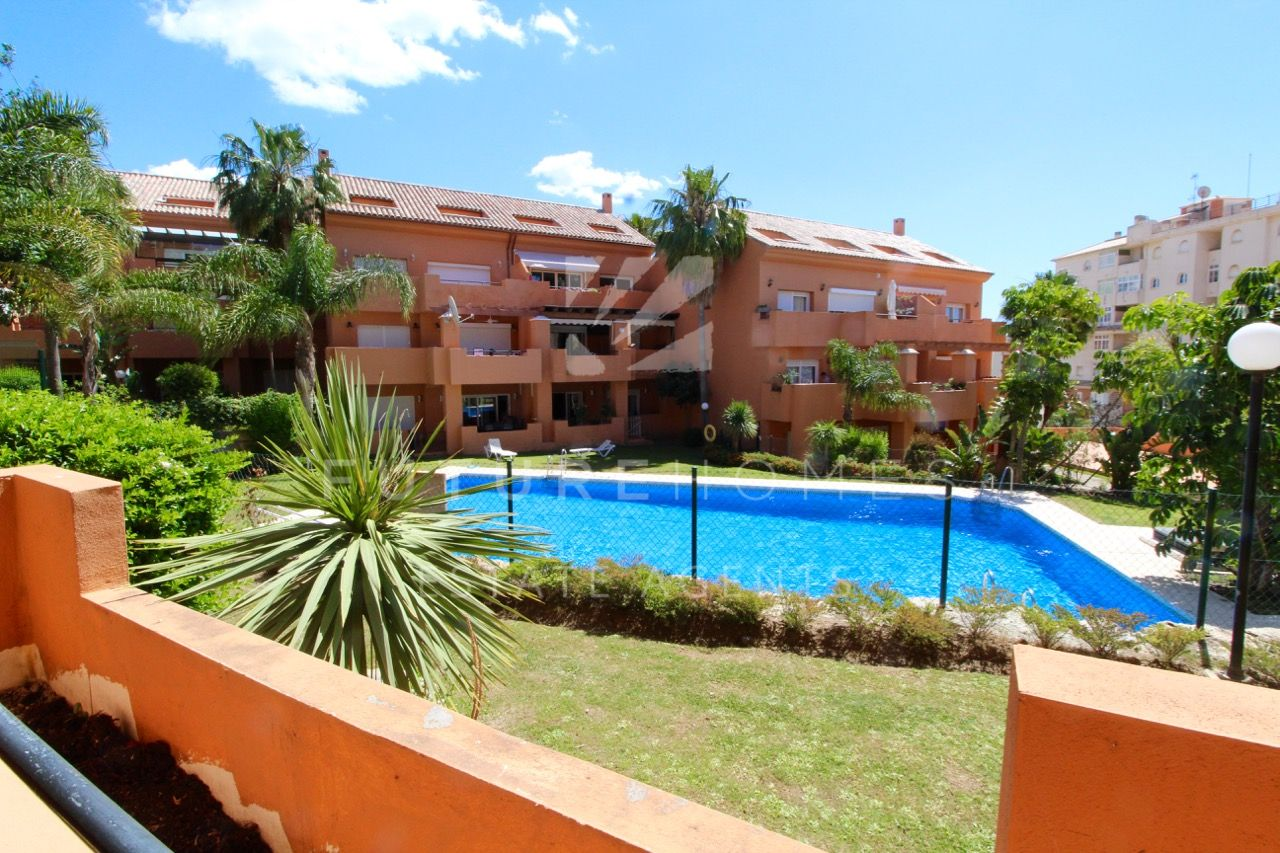 Fantastic 2 bedroom apartment next to Estepona Port!