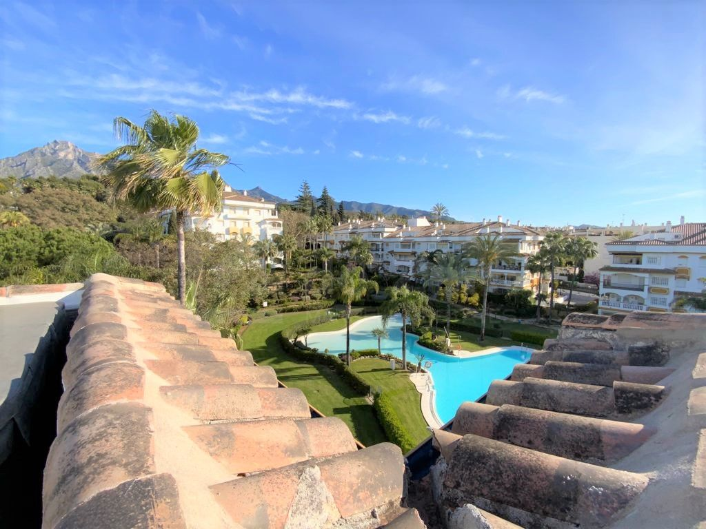 Excellent duplex penthouse in Hacienda Nagueles, Golden Mile, Marbella