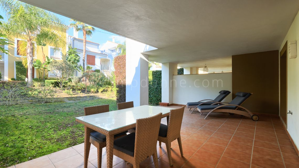 Estepona, Cozy groundfloor apartment with garden in Cortijo del Mar