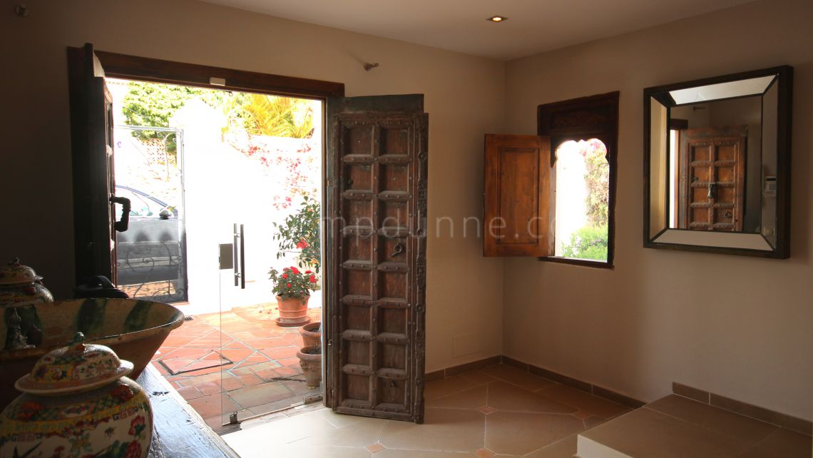 Family villa close to golf in Marbella Country Club