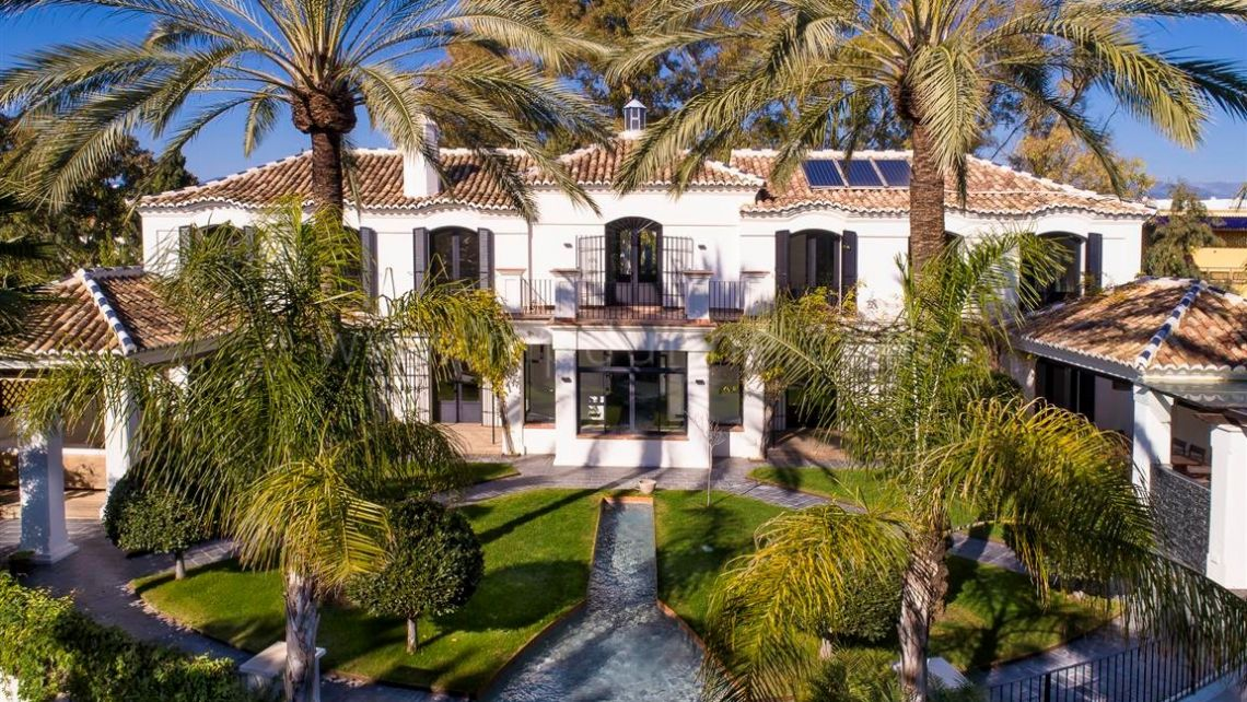 San Pedro de Alcantara, Beautiful family villa in the residential area of Guadalmina Baja
