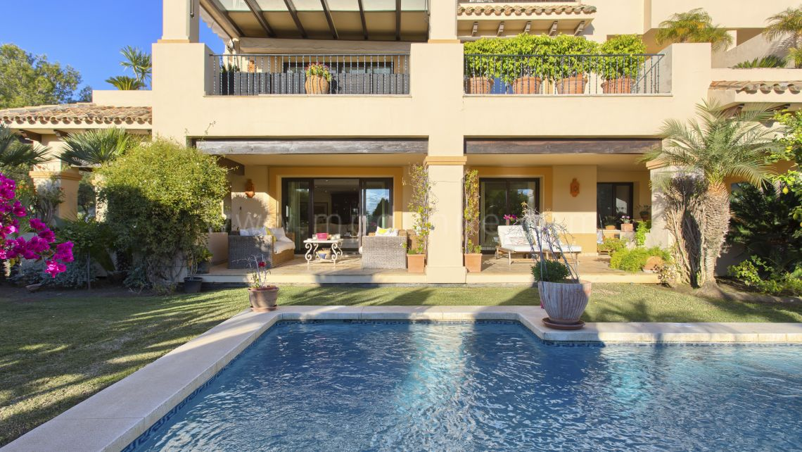 Nueva Andalucia, Very spacious modern ground floor apartment in Aloha Park, Nueva Andalucia