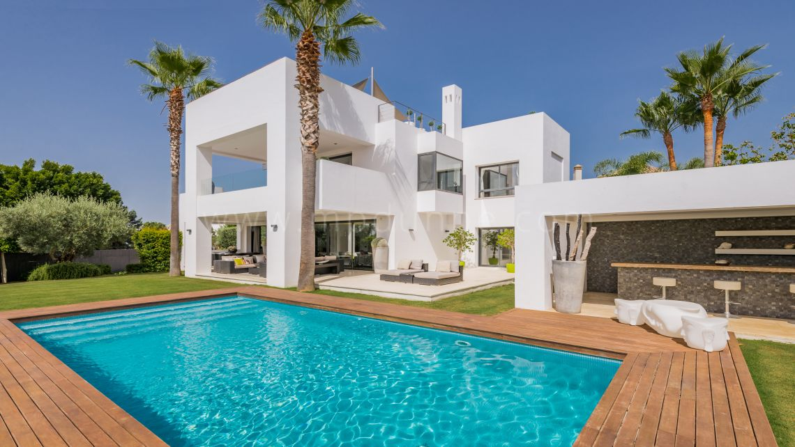 Marbella Golden Mile, Contemporary style home for sale in Altos de Puente Romano
