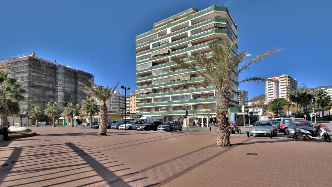 Fuengirola, Unique Penthouse Front Line Beach Paseo Maritimo Fuengirola