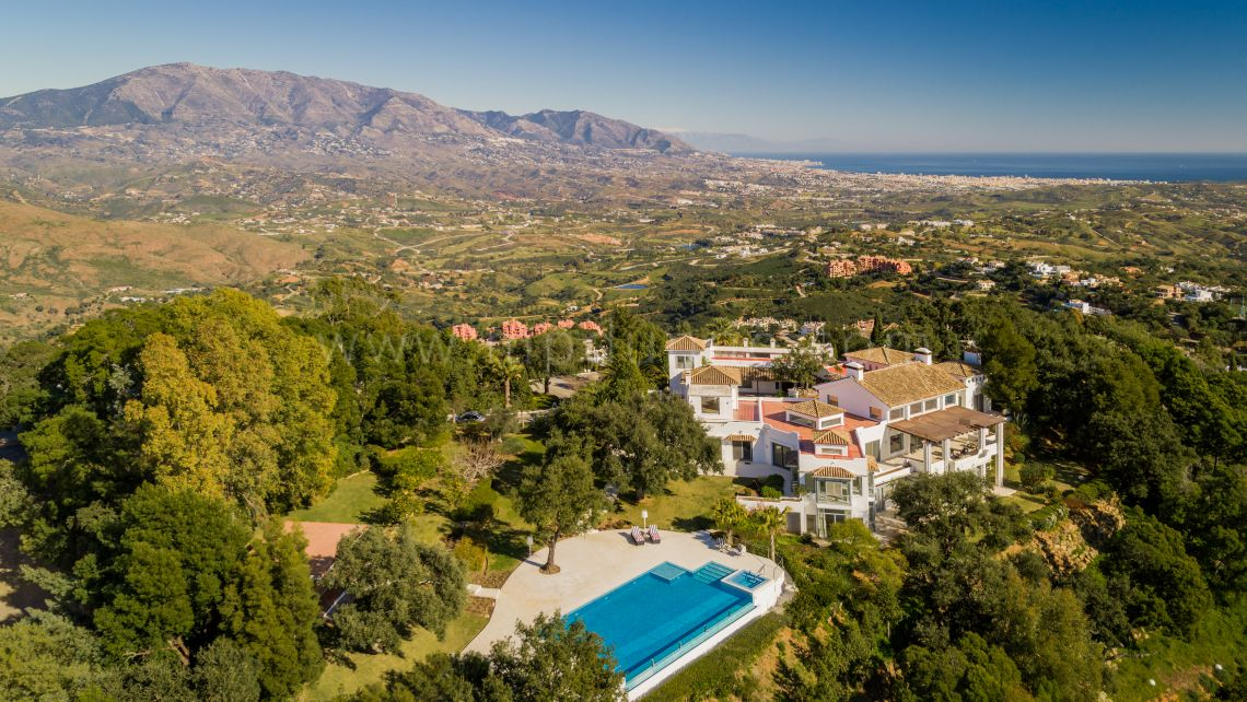 Marbella East, Magnificent Estate Property In Marbella with Panoramic Sea Views