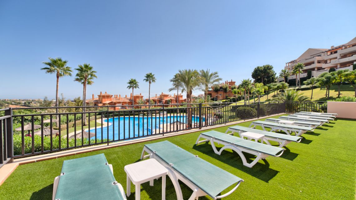 Corner spacious apartment in Benahavis - Gallery