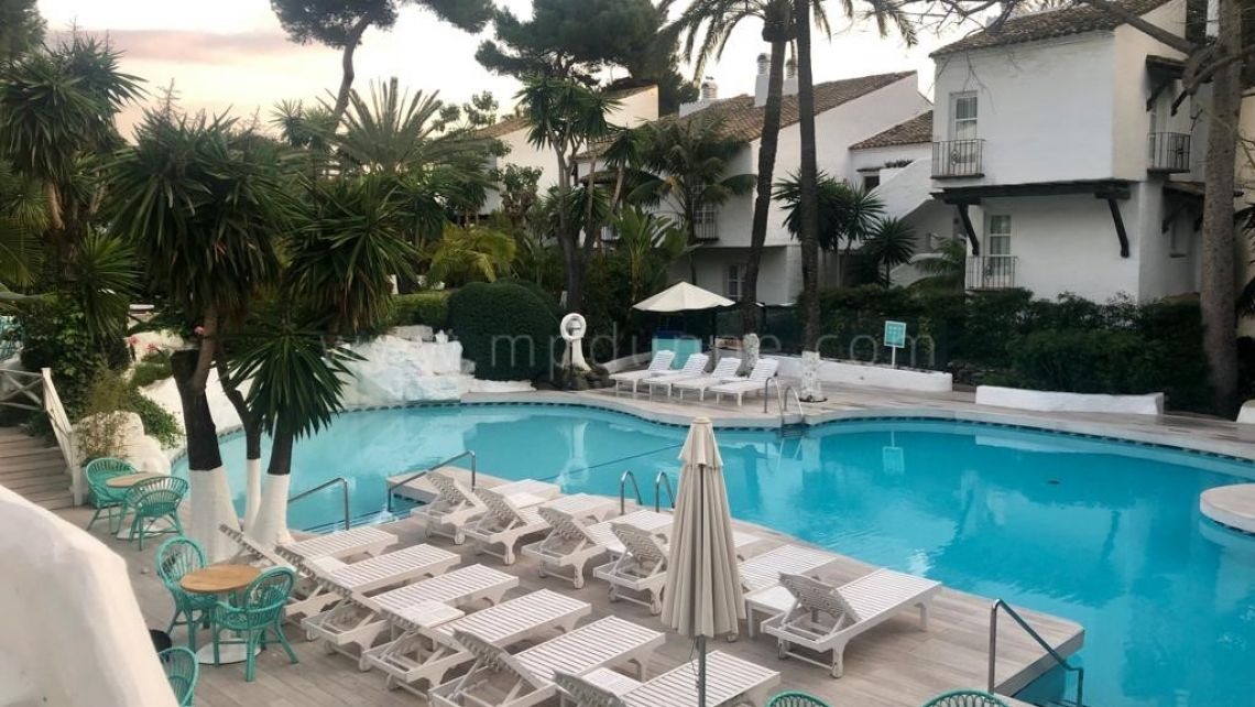 Marbella Golden Mile, Renovated apartment in Hotel Puente Romano