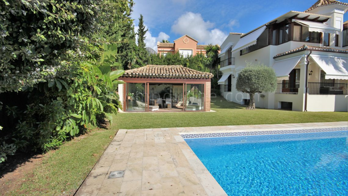 Marbella Golden Mile, Impeccable family villa in Sierra Blanca