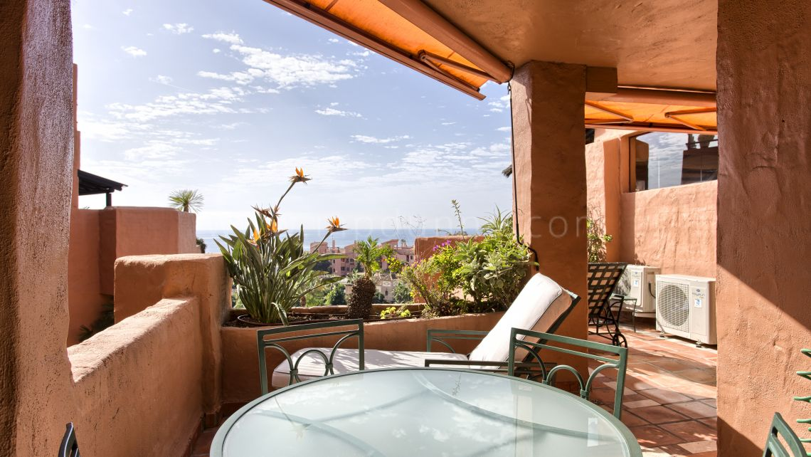 Estepona, Apartment in Kempinski Hotel - Private Wing, New Golden Mile, Estepona