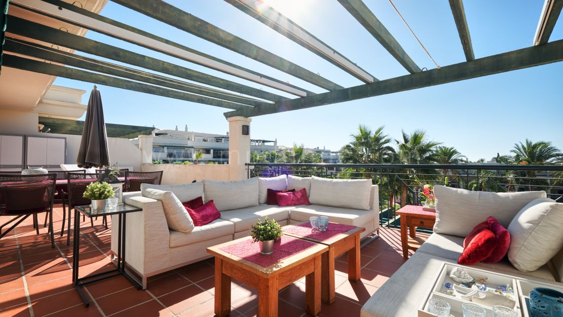 Nueva Andalucia, Beautiful renovated penthouse in Nueva Andalucia