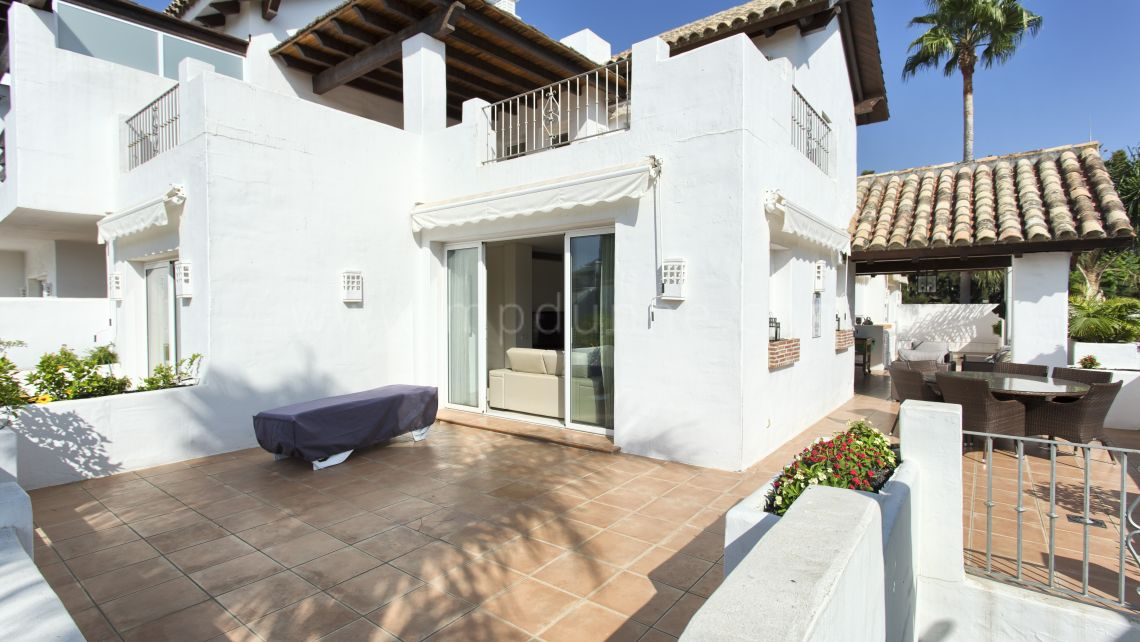 Estepona, Luxury duplex penthouse in Alcazaba Beach