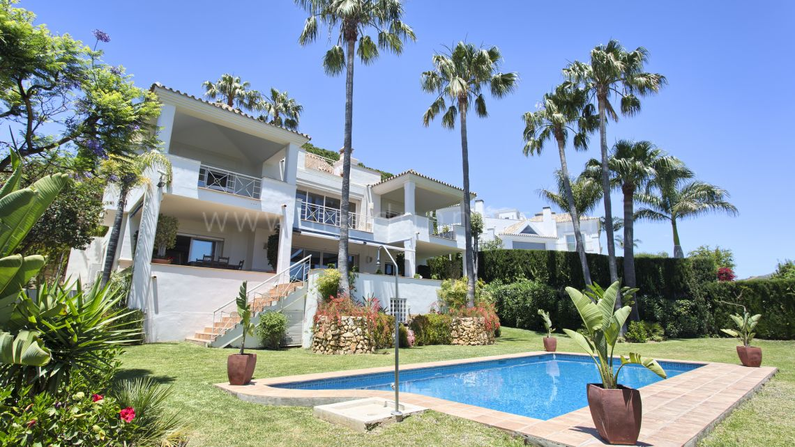 Marbella East, Beautiful family villa in the residential area of Rio Real Golf