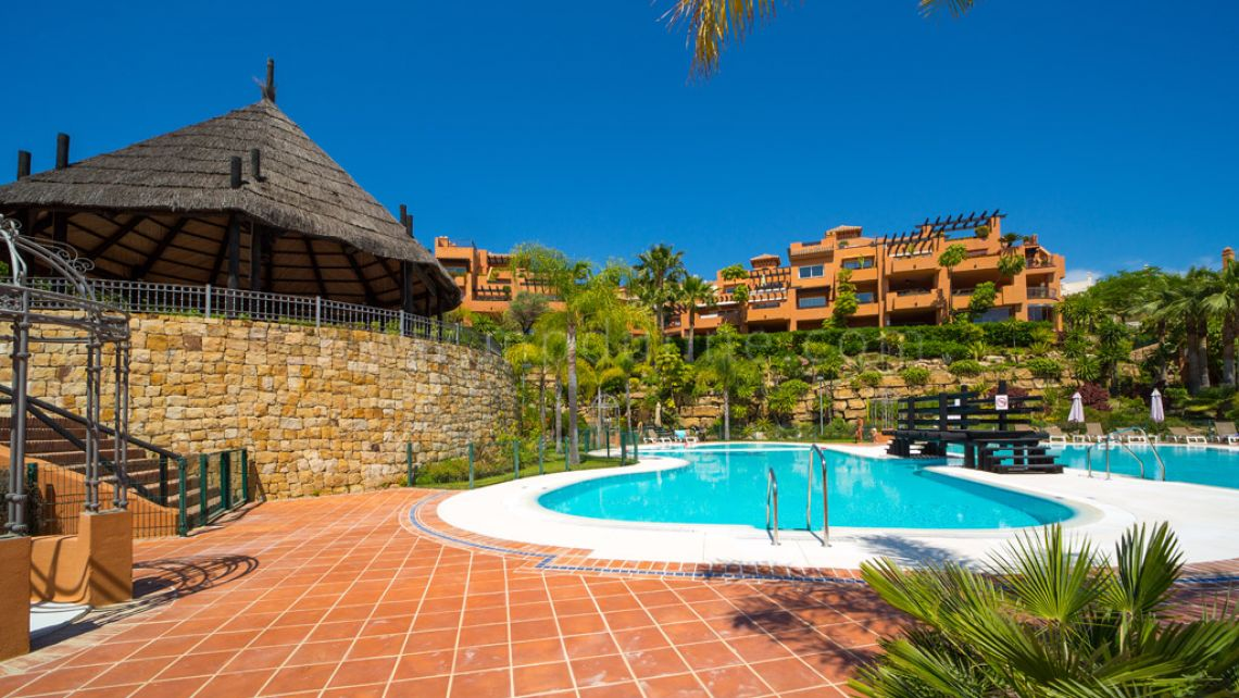 Nueva Andalucia, 3 Bedroom apartment for rent in Alminar de Marbella