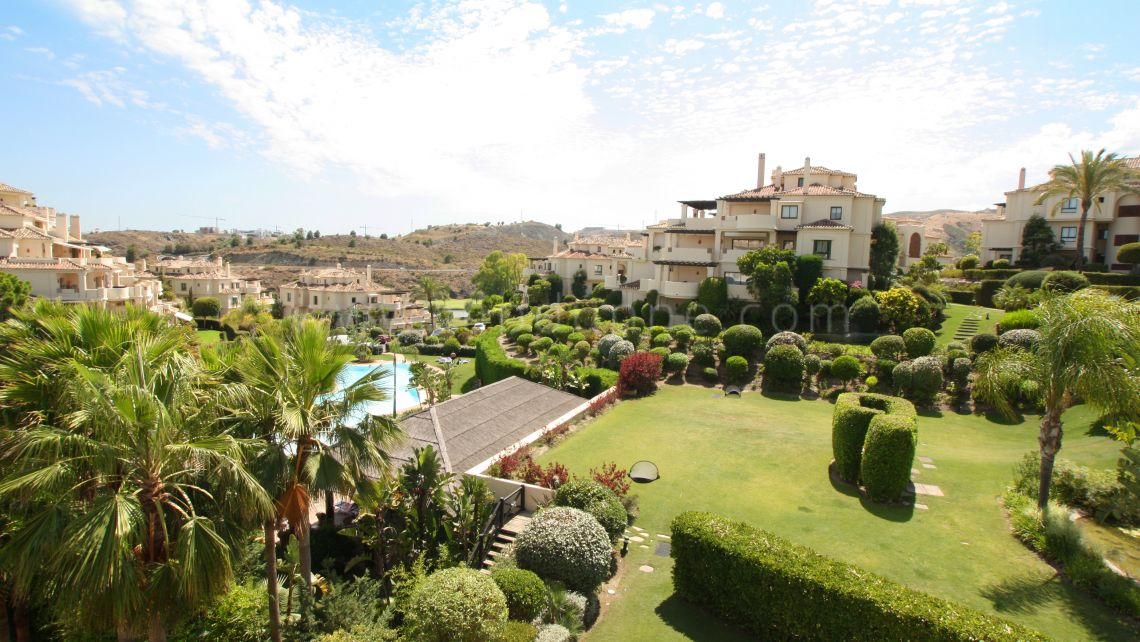Benahavis, Spacious apartment in capanes del Golf