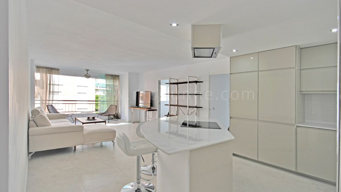 Marbella City, Marbella Centre, 2-bedroom apartment with garage and storage