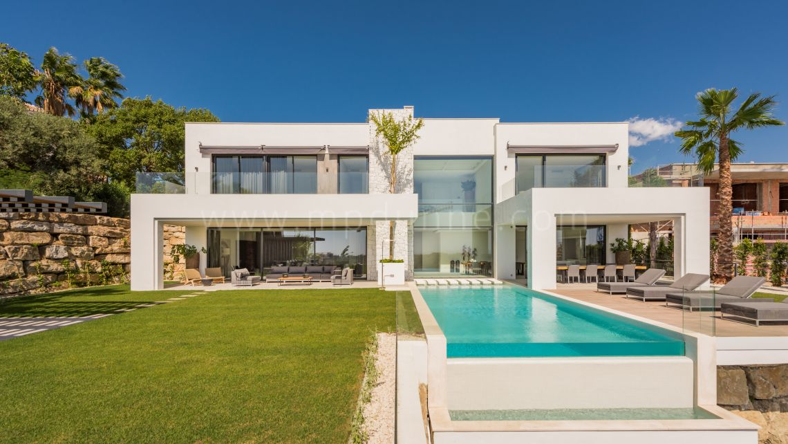 Benahavis, A stunning contemporary designed villa in Alqueria
