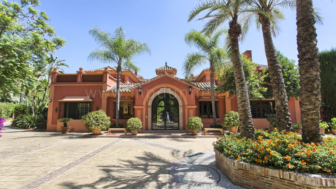 Benahavis, Classical villa located on one of the best plots in La Zagaleta