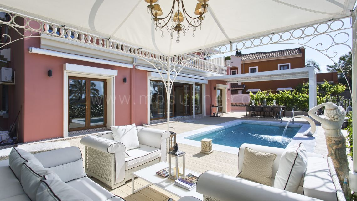 Marbella Golden Mile, Top quality classical style villa in urb. Nagueles