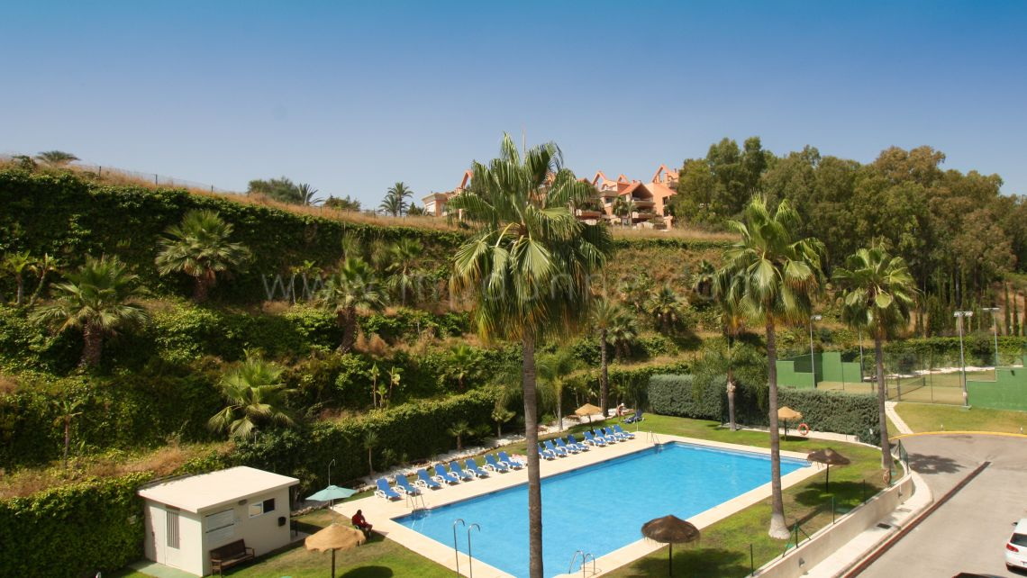 Nueva Andalucia, A very well-priced apartment in La Corniche, Nueva Andalucia