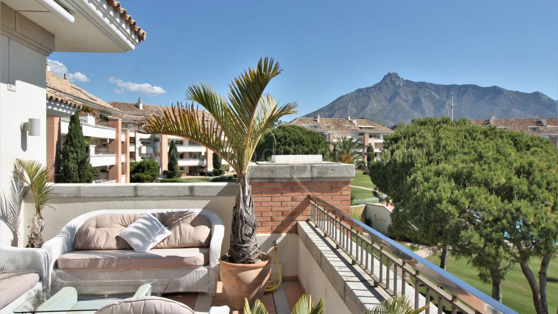 Marbella Golden Mile, La Trinidad, Marbella, 3 bedroom 4 bathrooms Duplex Penthouse