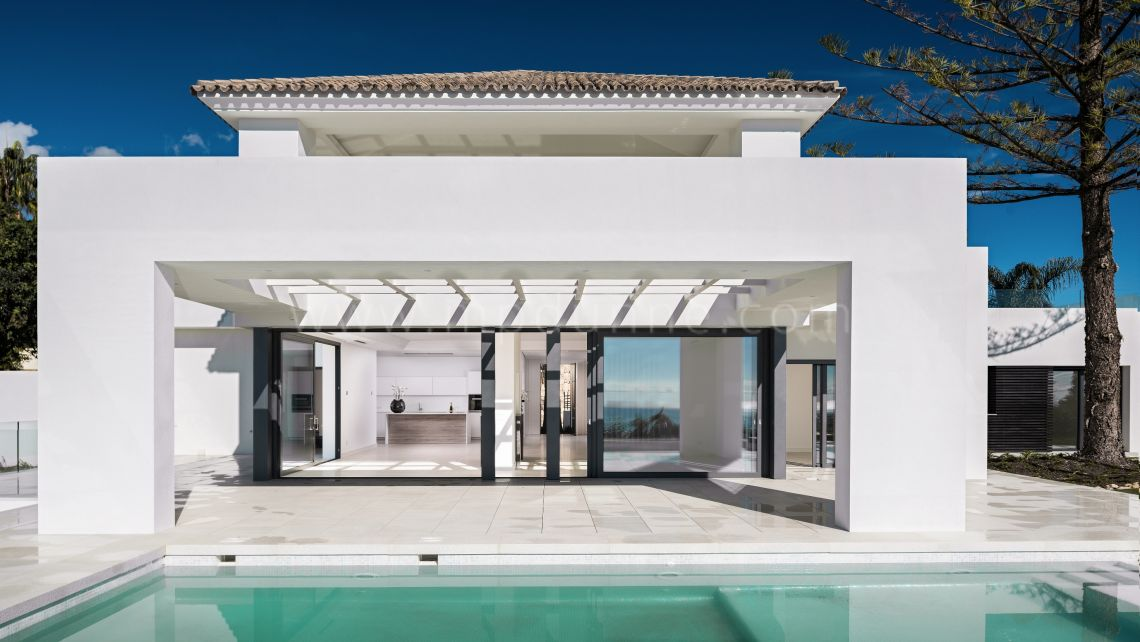 Marbella East, El Rosario, Marbella East, Contemporary Stunning Villa for sale