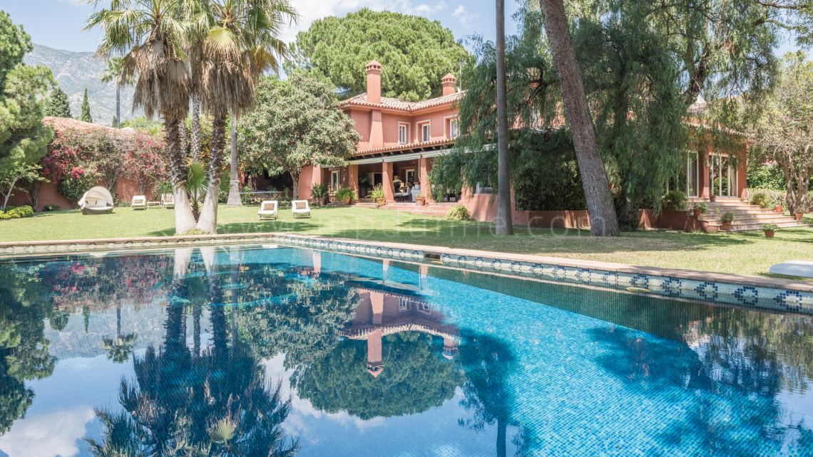 Marbella Golden Mile, Marbella Golden Mile, Classical villa in Rocio de Nagueles
