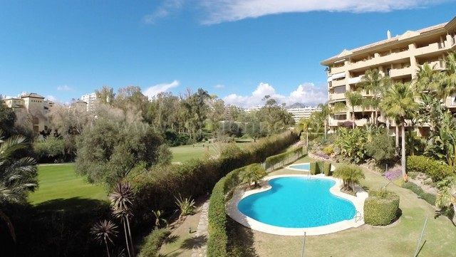 San Pedro de Alcantara, 3 bedroom Apartment next to golf
