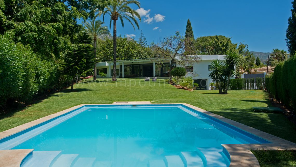 Marbella Golden Mile, Modern Villa in Nagueles