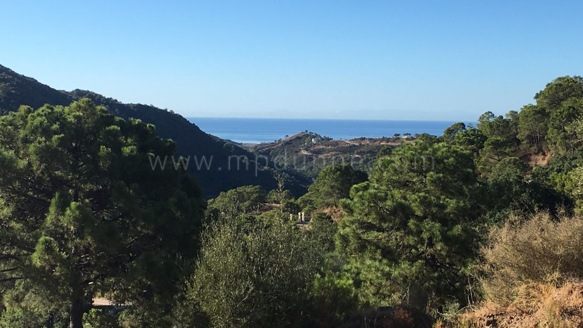 Benahavis, Plot with Sea Views in Monte Mayor