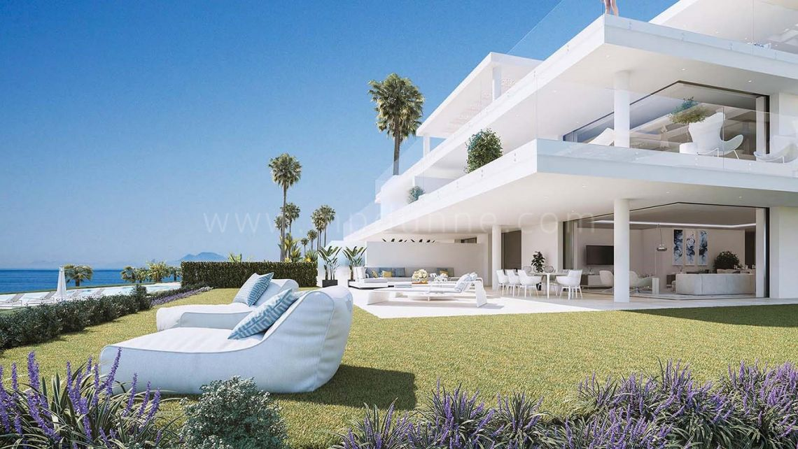 Estepona, Beachfront Modern apartment in New Golden Mile