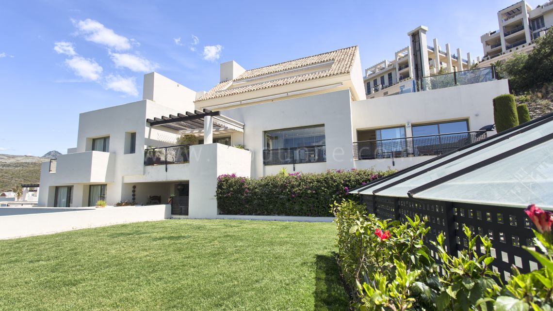 Benahavis, Fantastic apartment in Urb. Tee 5, Los Flamingos Golf Resort, Benahavis