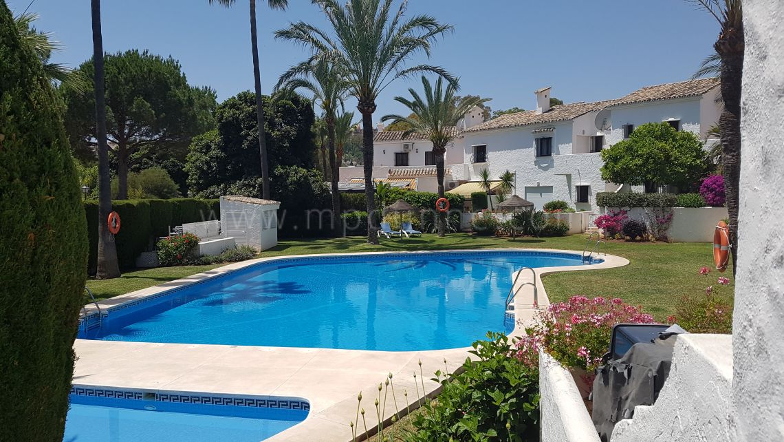 Townhouse in Los Naranjos Country Club, Nueva Andalucia - Gallery
