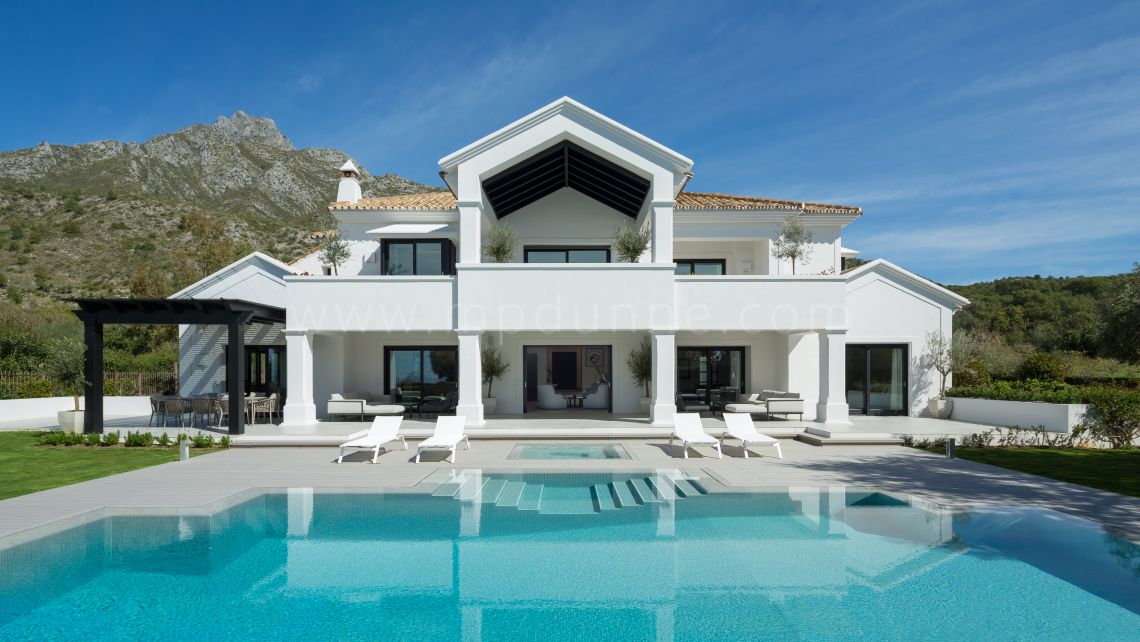 Marbella Golden Mile, Luxury Family Villa in the Sierra Blanca area in gated community