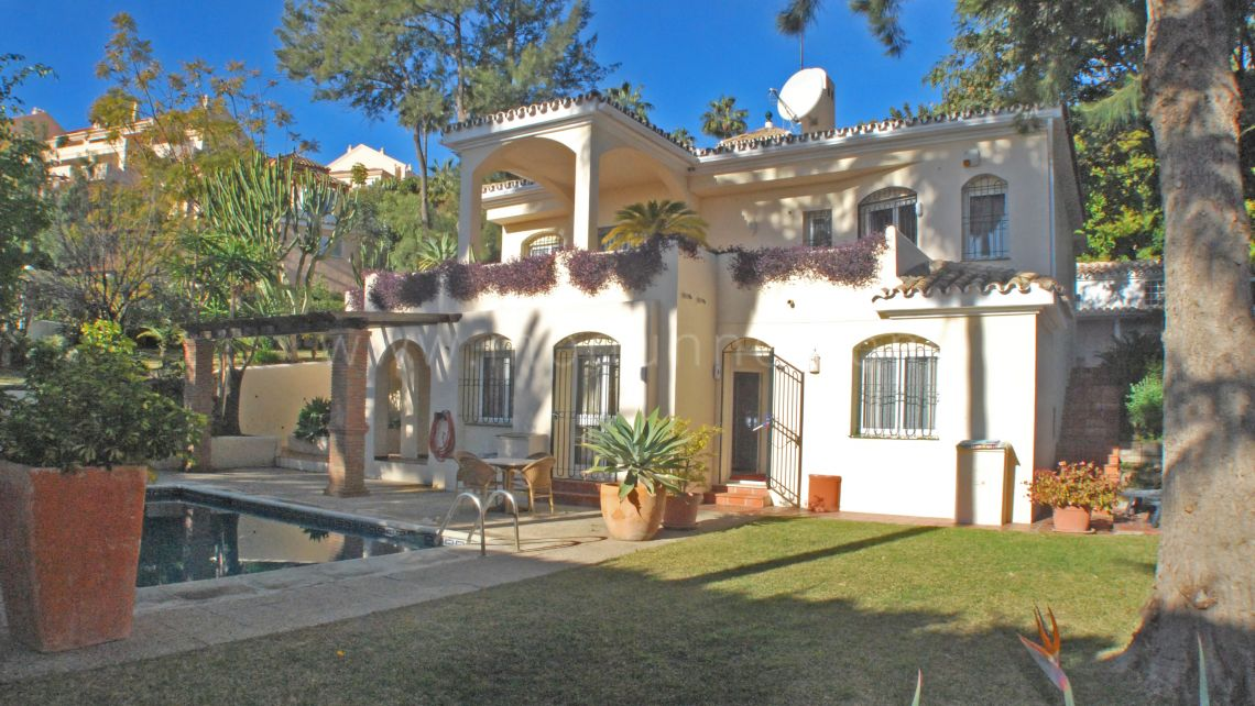 Nueva Andalucia, Great Value 4 Bedroom Villa in Nueva Andalucia