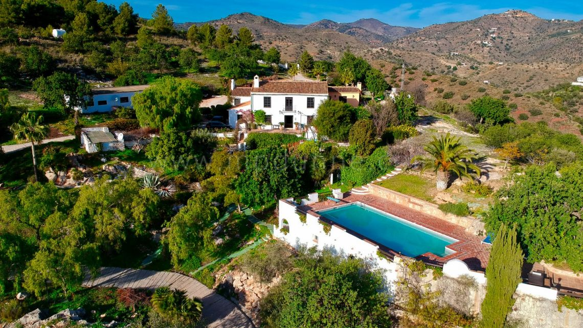 Malaga - Este, Beautiful Converted Country Finca close to Malaga City For Sale