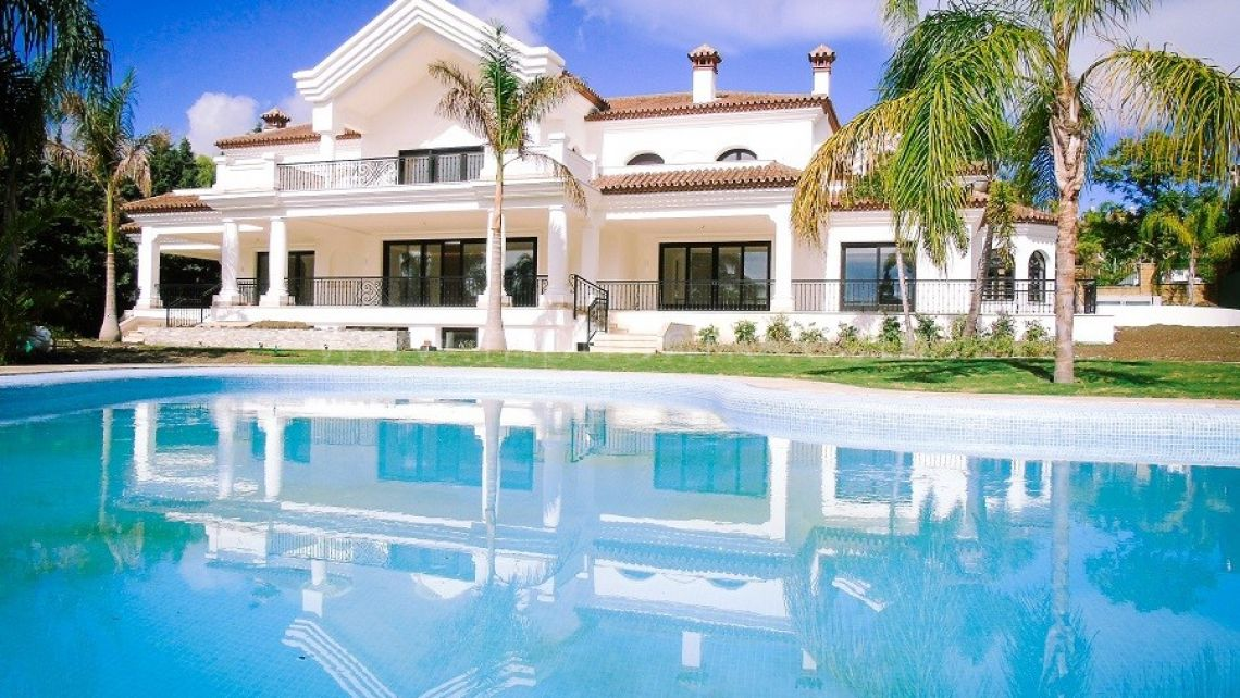 Nueva Andalucia, An outstanding Mansion in Atalaya de Rio Verde