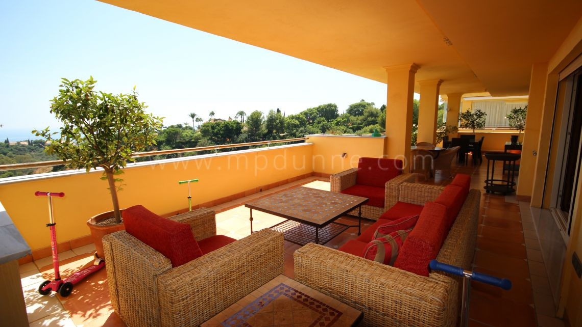 Marbella Golden Mile, First floor apartment for sale in Condado de Sierra Blanca