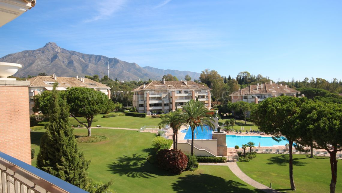 Marbella Golden Mile, La Trinidad Marbella Duplex 3 Bedroom Penthouse for sale