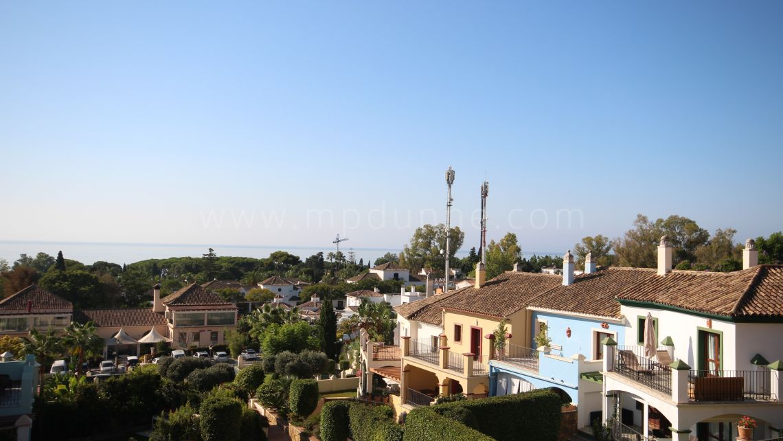 Marbella Golden Mile, Townhouse for sale in Marbelah Pueblo on the Golden Mile with sea Views
