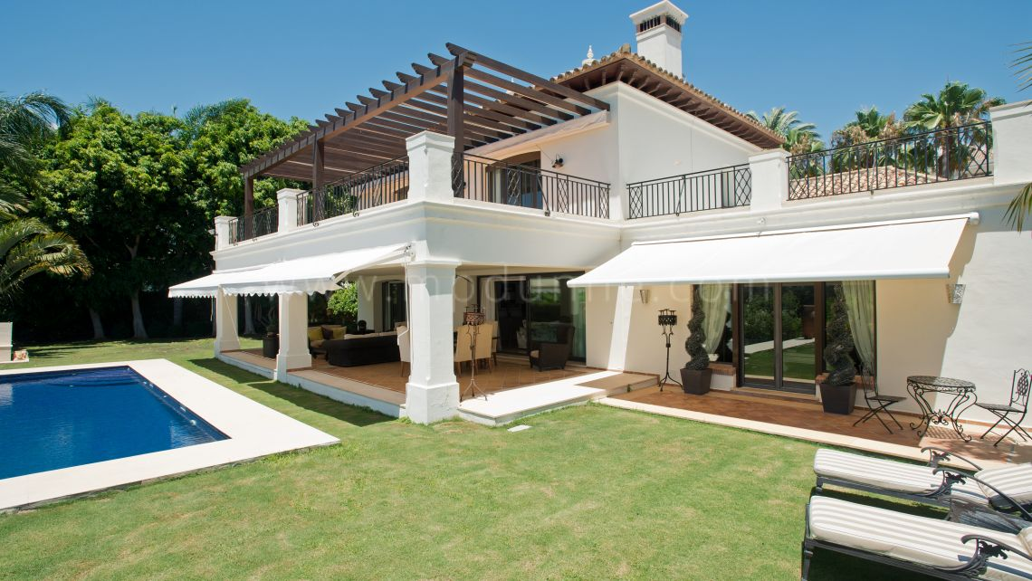 Nueva Andalucia, Villa frontline golf for rent in Nueva Andalucia