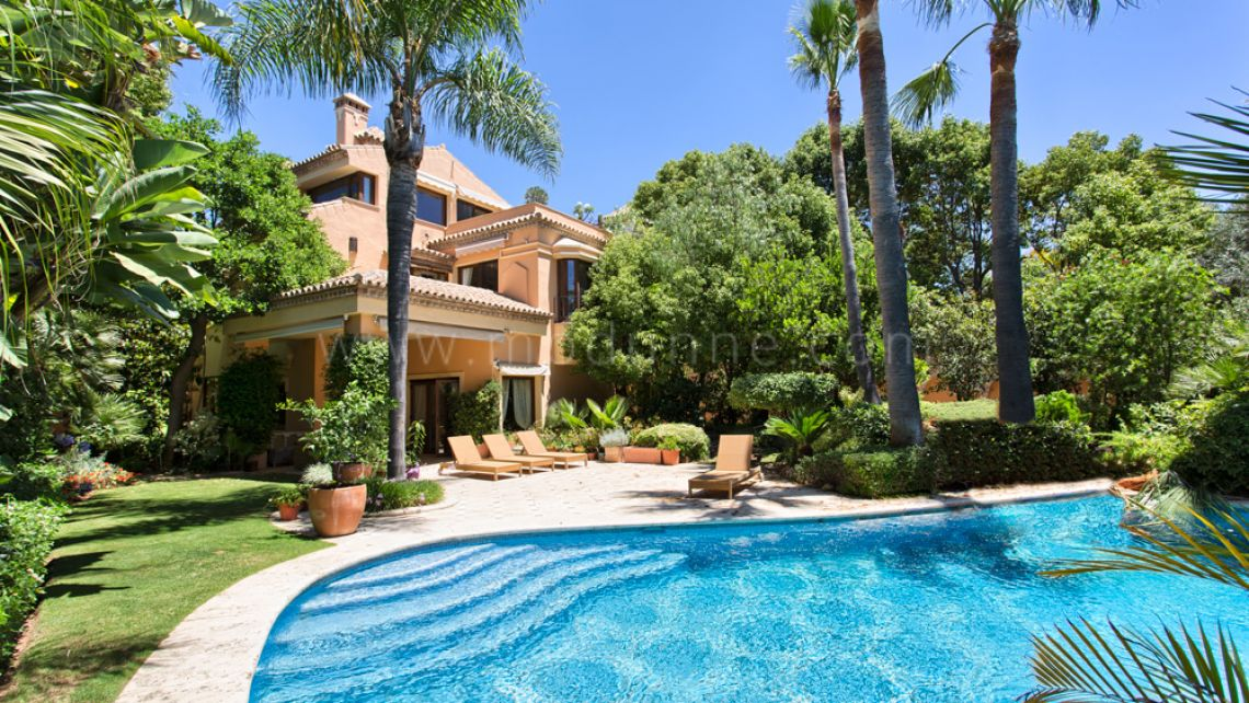 Marbella Golden Mile, Beautiful villa in Altos de Puente Romano, Golden Mile
