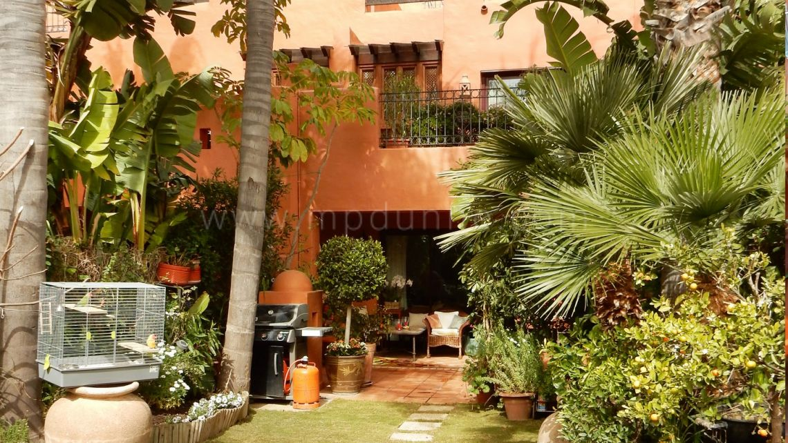 Marbella Golden Mile, Beautiful 3 bedroom town house in Altos Puente Romano