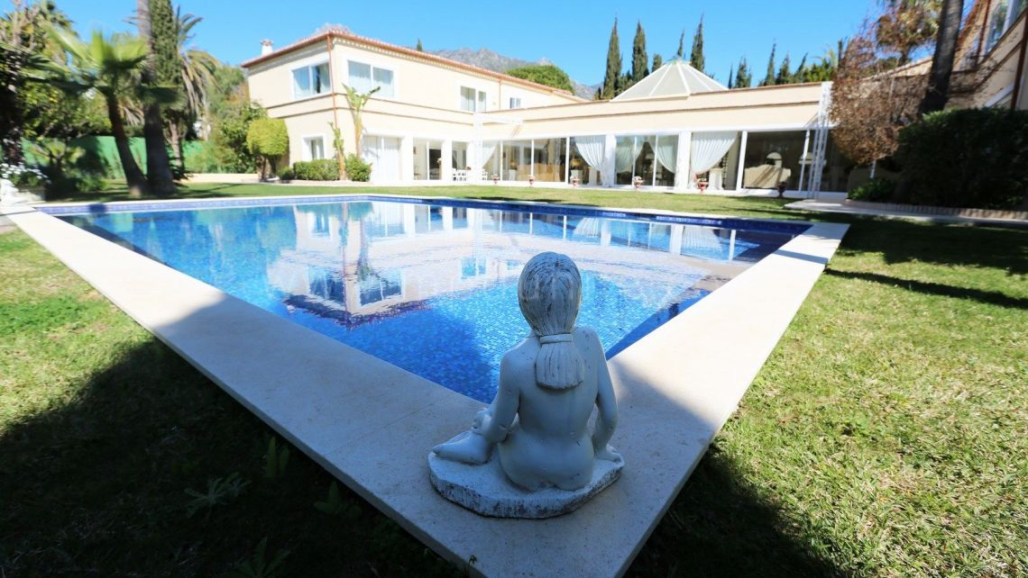 Marbella Golden Mile, Stunning villa for sale in Rocio de Nagueles, Marbella Golden Mile