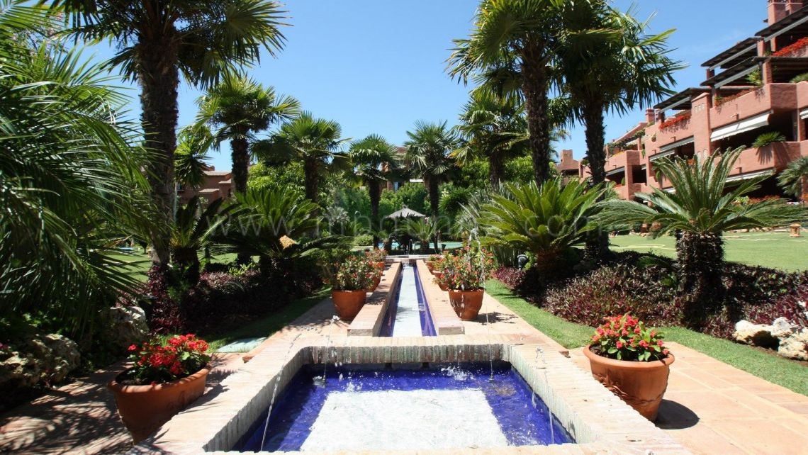 Estepona, 3 bedroom Duplex penthouse in Phase 4 Alhambra del Golf, Gualdalmina