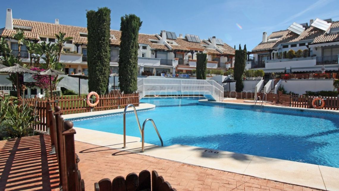 Marbella City, Large townhouse for sale in Valdeolletas, Marbella