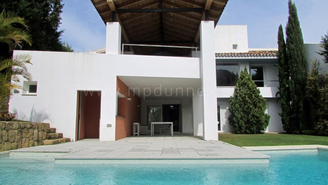 Nueva Andalucia, Modern 4 bedroom villa for rent in Aloha, Marbella