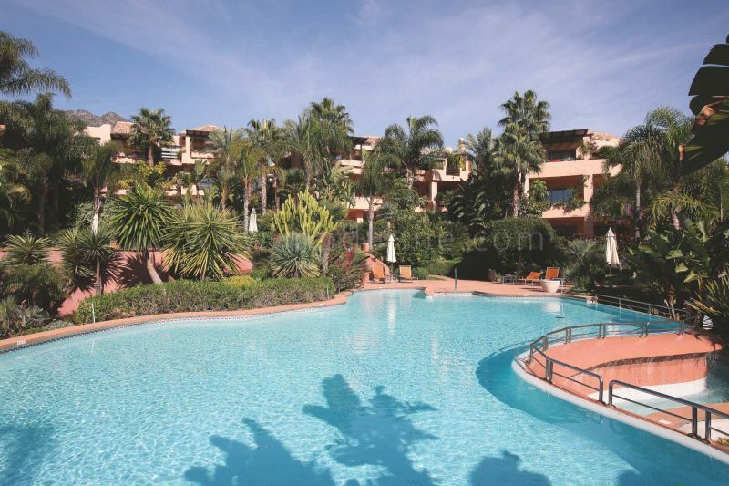 Marbella Golden Mile, Great penthouse apartment for sale in Mansion Club