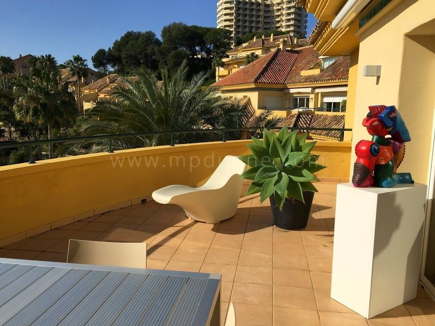 Marbella East, 3-bedroom Apartment for Sale in Rio Real Golf, Marbella East