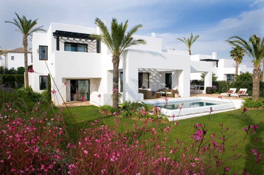 Casares, Beautiful Villa For Sale in La Reserva de Cortesin, Casares